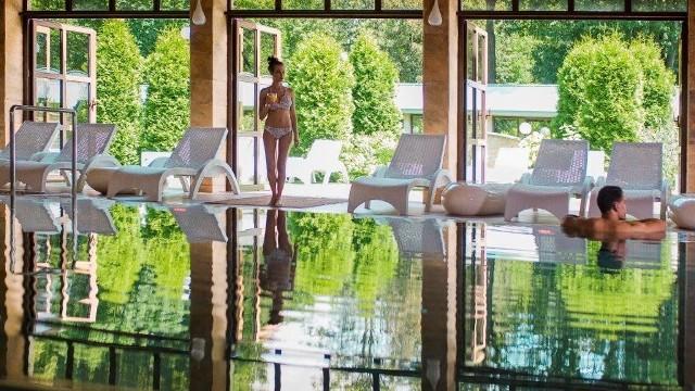 Goście chętnie przyjeżdżają do enklawy dla dorosłych w Manor House SPA na romantyczne pobyty.