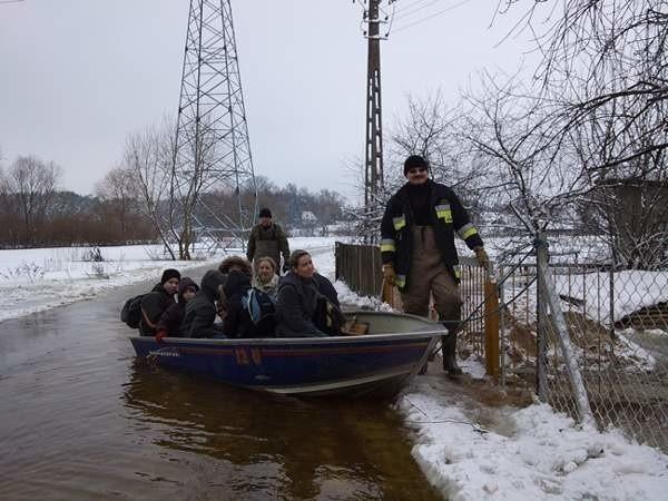Ewakuowano już kilka osób z miejscowości Klukowo Morgi