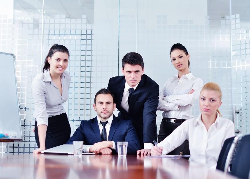Obecny rynek pracy musi się dostosować do nowego pokolenia pracownikówAby skutecznie przyciągać największe talenty do swojej firmy trzeba wiedzieć, czego właściwie oczekuje od nas dana grupa