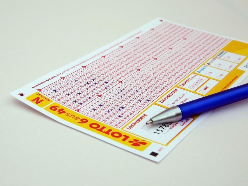 W artykule podajemy pełne wyniki losowania gier liczbowych...