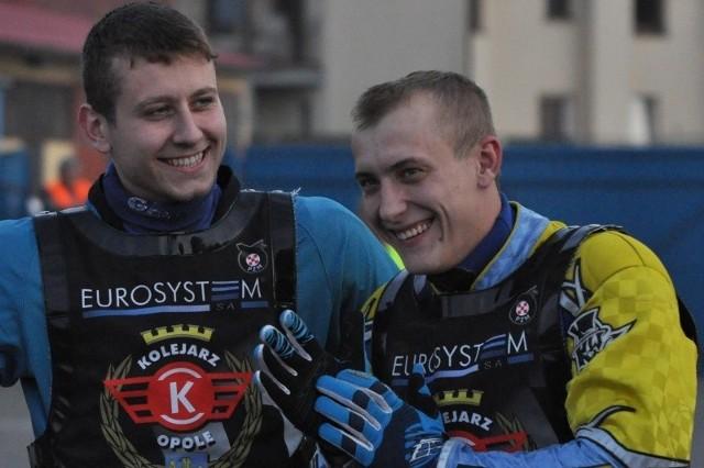 Rafał Fleger (z lewej) w najbliższym sezonie nadal będzie bronił barw Kolejarza Opole. Z kolei dotychczasowy lider zespołu Michał Mitko zapowiedział, że będzie z klubem rozmawiał.