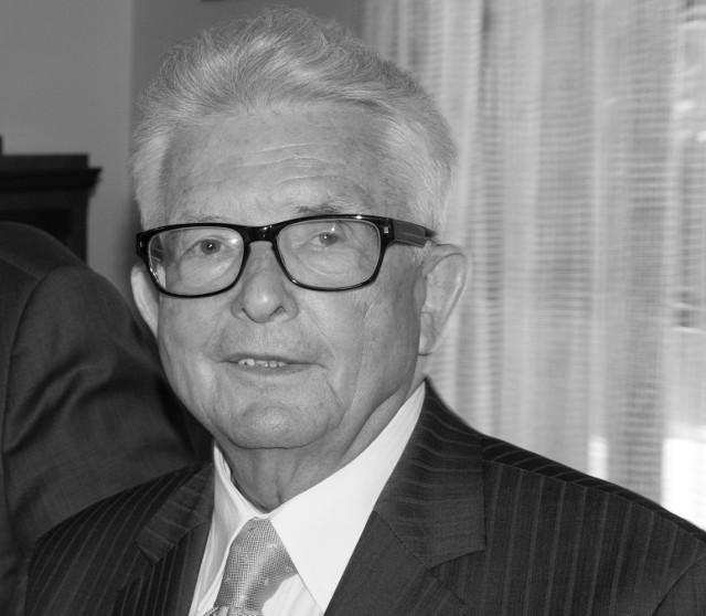 11 kwietnia 2021 roku zmarł śp. prof. dr hab. Wiesław Skrzydło