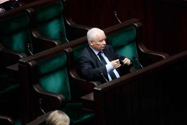 Troje posłów odchodzi z PiS. Jarosław Kaczyński bez większości w Sejmie