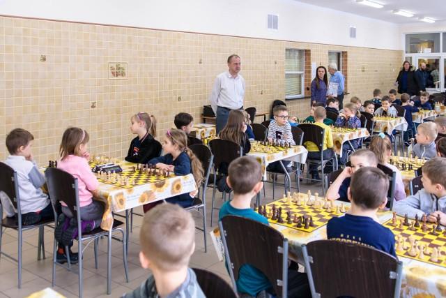 Szachowa Białostocka Liga Szkolna odbywa się w SP 45 przy ul. Łagodnej. Do rozgrywek można się dołączyć w każdej chwili.