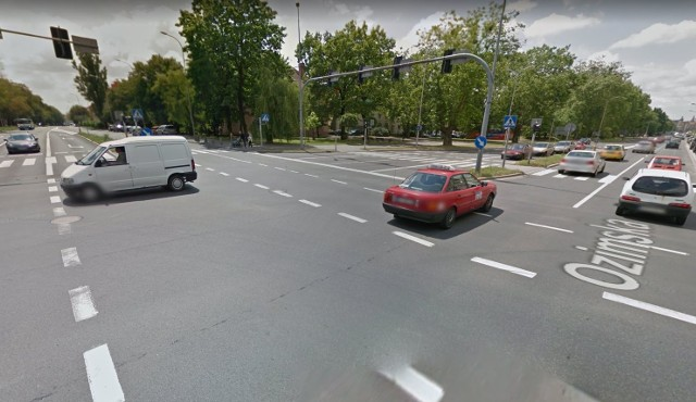 Zestawienie najbardziej niebezpiecznych miejsc otwiera skrzyżowanie ul. Plebiscytowej i ul. Ozimskiej w Opolu. Doszło tutaj do 13 kolizji.