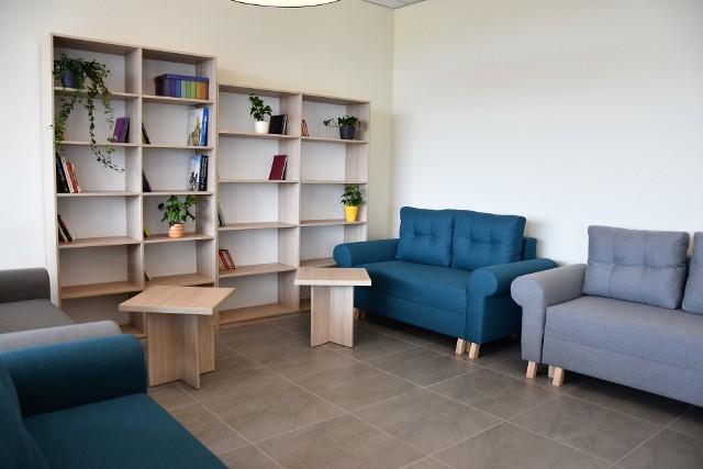Dem seniora Pogodna Jesień w Opolu. Na otwarciu prezentowano mieszkania i sale do całodobowej opieki, a także pomieszczenia do integracji i rehabilitacji.