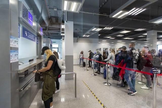 W 2020 roku zatrudnienie w bydgoskim porcie zmniejszyło się o około 10 procent. Na bydgoskim lotnisku pracuje obecnie 179 osób.