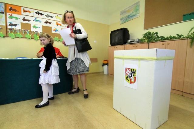 Wybory do rad osiedli we Wrocławiu. Zdjęcie ilustracyjne