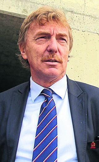 Zbigniew Boniek zasiądzie na ławce jako trener