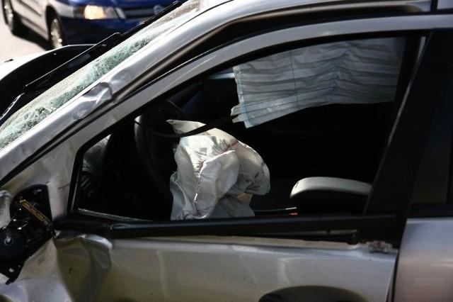 Ranny kierowca trafił do szpitala. (zdjęcie ilustracyjne)