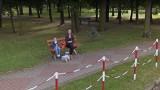 """Mieszkańcy Krosna Odrzańskiego """"złapani"""" przez kamerę Google. Nagrali też Ciebie? Sprawdź na zdjęciach Google Street View"""