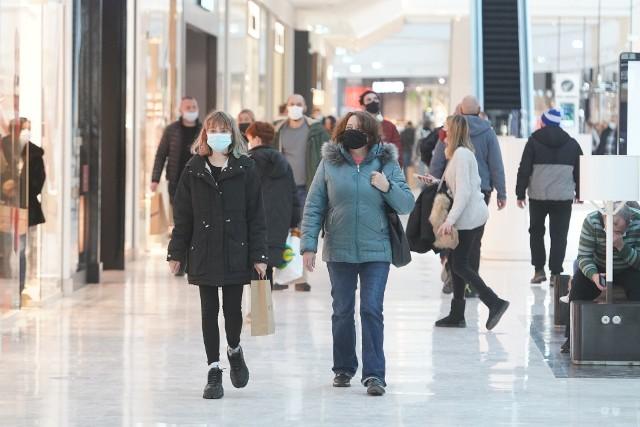 Posnania to największa poznańska galeria handlowa. W poniedziałek, pierwszy raz od ponad miesiąca, wypełniła się klientami