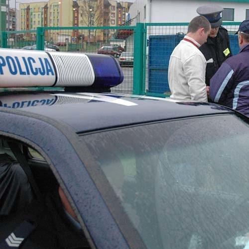 Policjanci zatrzymali pijanego kierowcę na rogatkach Suwałk