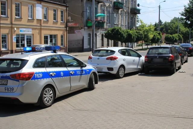 Pijany pirat drogowy w Łęczycy. Spowodował dwie kolizję, a później uciekał pieszo przed policją