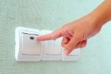 Tak możecie zaoszczędzić energię elektryczną w domu - porady. To warto wiedzieć! [lista]