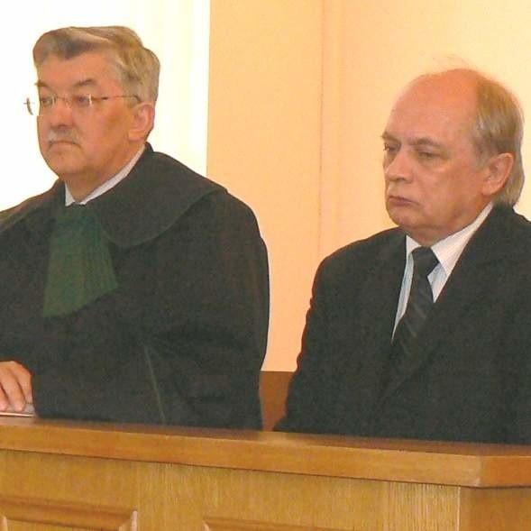 Były minister Marek Sadowski i jego obrońca Borysław Szlanta w skupieniu słuchali uzasadnienia wyroku.