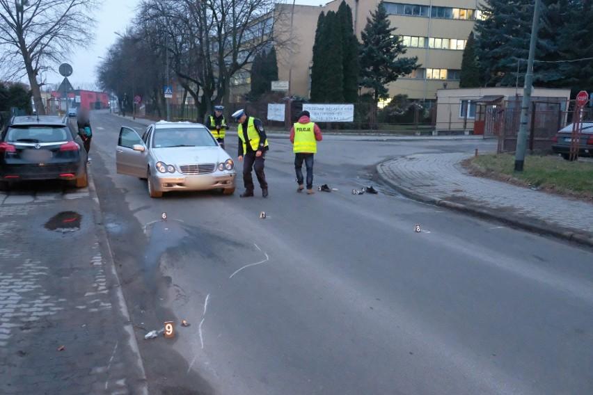 Do wypadku doszło w czwartek rano na ul. Batorego w...