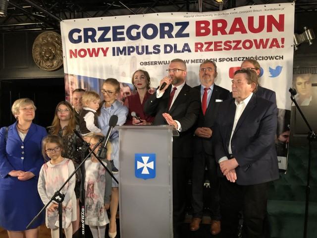 W sztabie wyborczym kandydata na prezydenta miasta Rzeszowa - Grzegorza Brauna wspierali; Jakub Kulesza - Przewodniczący koła parlamentarnego Konfederacja.