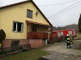 Pożar w domu w Oblęgorze w gminie Strawczyn. Ewakuowano starszą panią