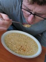 """Momofuku Ando. Wynalazca """"zupek chińskich"""" walczył z głodem w Japonii. Zupki stały się hitem!"""