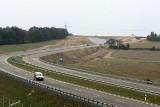 Nowe odcinki dróg w Polsce. Które mają zostać oddane jeszcze w tym roku? (video)