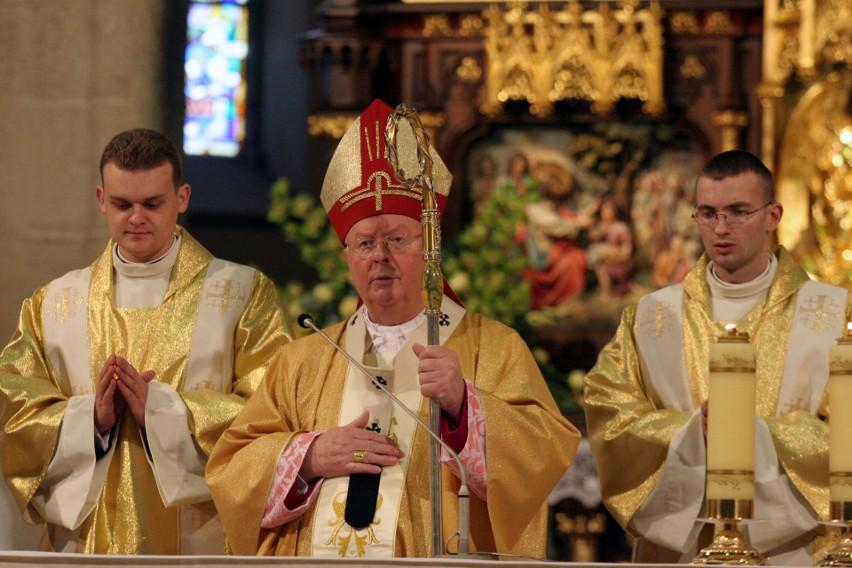 Arcybiskup Władysław Ziółek obchodzi 60-lecie kapłaństwa. Jak przez lata zmieniał się emerytowany metropolita łódzki?