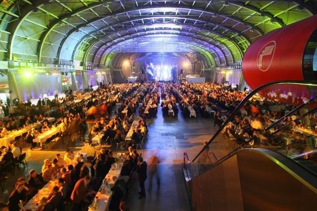 Megabankiet zorganizowano w targowej hali E. fot. D. Łukasik
