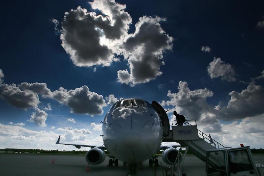 Koronawirus. Katastrofalna sytuacja przewoźników i lotnisk w...