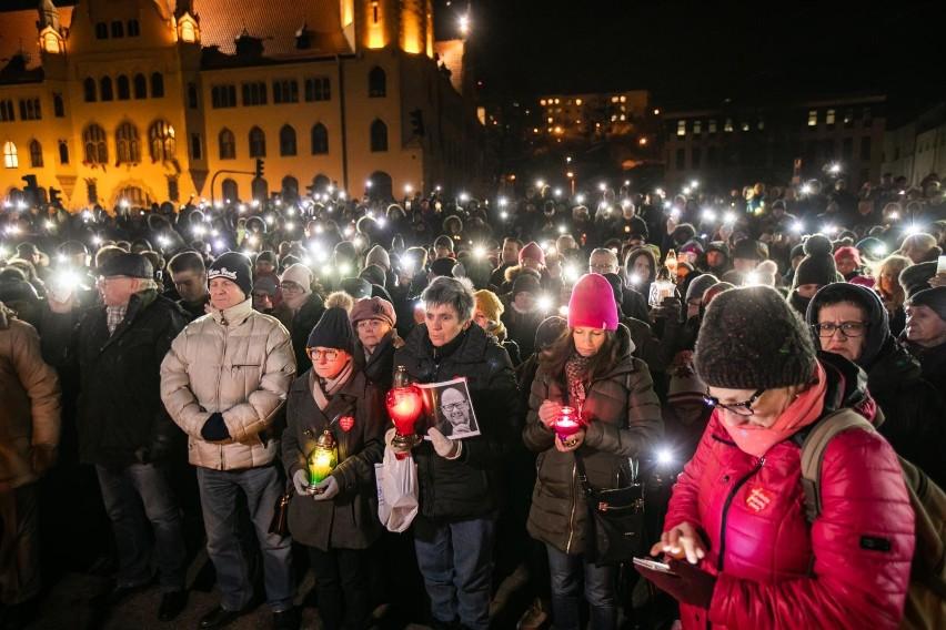Paweł Adamowicz, prezydent Gdańska nie żyje. Zmarł w...