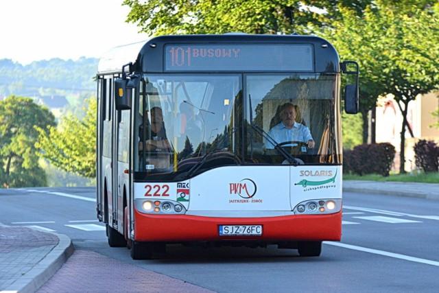 W wypadku w autobusie ucierpiała 72-letnia kobieta.