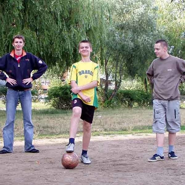 """- To pierwsza dobra wiadomość przed """"Euro 2012"""" - cieszą się młodzi szkolni piłkarze z ul. Kopernika."""