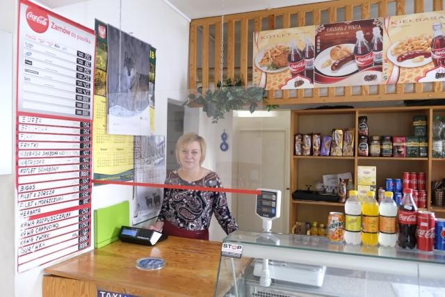"""Hanna Fiałkowska prowadzi bar """"Panda"""" przy ul. Mickiewicza od 27 lat. Wspólnikiem torunianki jest jej osobisty mąż - pan Józef. Ich poczucie humoru i dobra energia to najlepsze przyprawy do serwowanych tutaj dań."""