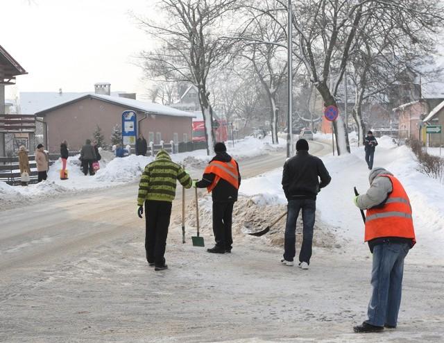 Trwa odśnieżanie ulic w Ustce