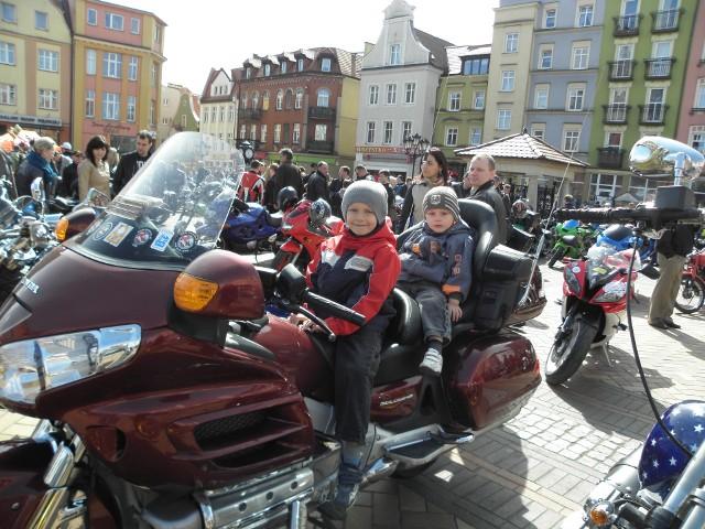 Motoserce to nie tylko okazja do obejrzenia najróżniejszych motorów, ale też do przymiarki, jak się na nich siedzi...