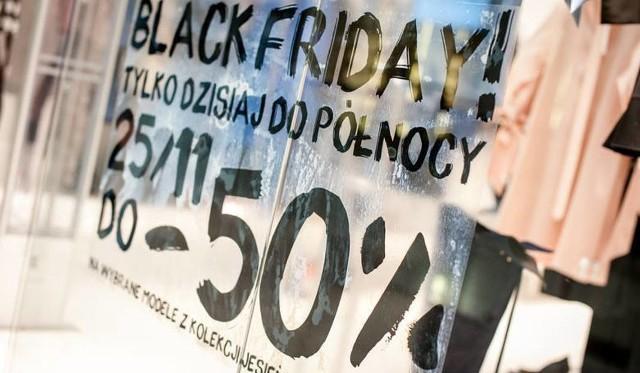 """Black Friday 2018 sklepy, promocje, zniżki. Lista sklepów na Black Friday 2018. Gdzie i kiedy wyprzedaże. Black Friday 2018. Co to jest """"Czarny piątek"""" i kiedy wypada? Które sklepy wprowadzą promocje na Black Friday 2018?"""