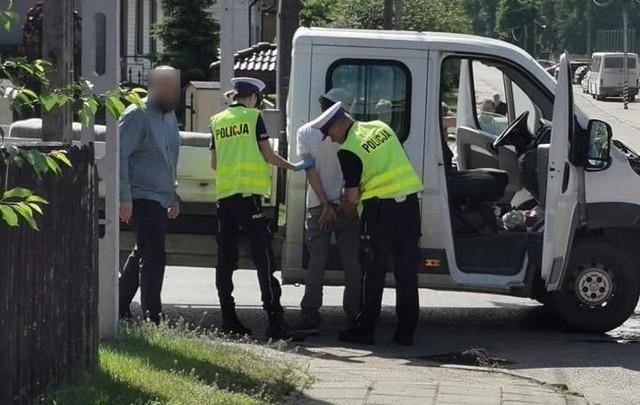 Michałowo. Wypadek na skrzyżowaniu ulic Młynowej i Leśnej. Dwie osoby ranne