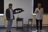 """""""Katyń"""" Adama Sypla i wystawa rysunku """"Czudrys 2"""" w Galerii Sztuki MOK w Dębicy. Warto się wybrać!"""