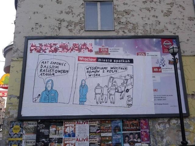 Romowie w mieście spotkań - prześmiewczy billboard przy ul. Piłsudskiego