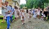 Boże Ciało u dominikanów w Tarnobrzegu. Procesja wokół kościoła (ZDJĘCIA)