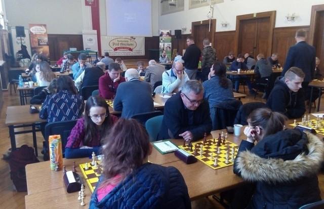 W mistrzostwach udział wzięło aż 148 szachistów