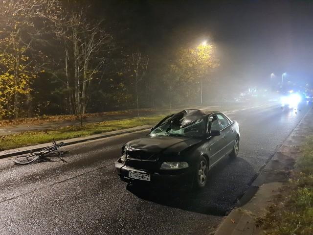 21-letni kierowca, który 13 listopada potrącił rowerzystę na przejeździe rowerowym przez Szosę Chełmińską, musiał jechać ze znaczną prędkością