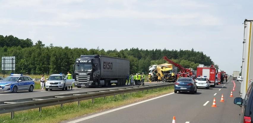 Łyski. Śmiertelny wypadek na S8 zablokował wjazd do...