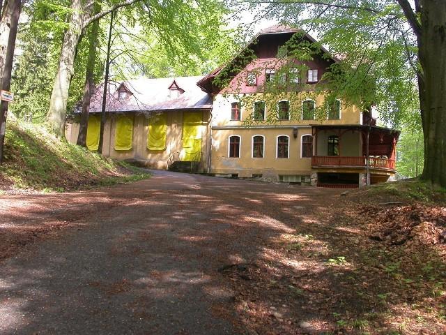 """Nowy właściciel ośrodka wypoczynkowego """"Górnik"""" zamierza ogrodzić swój teren, przez który obecnie przechodzą turyści."""