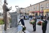 Rocznica katastrofy smoleńskiej w Kielcach. Złożono kwiaty przed pomnikiem Przemysława Gosiewskiego [ZDJĘCIA]