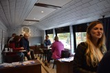 Mobilna kawiarnia sensoryczna przyjechała do Gdyni. Z jakimi problemami borykają się chorzy na stwardnienie rozsiane?