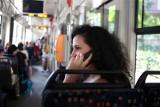 Ponad 60 proc. Polaków pracuje po godzinach. Jedynie 25 proc. z nas, po powrocie z pracy całkowicie odcina się od niej