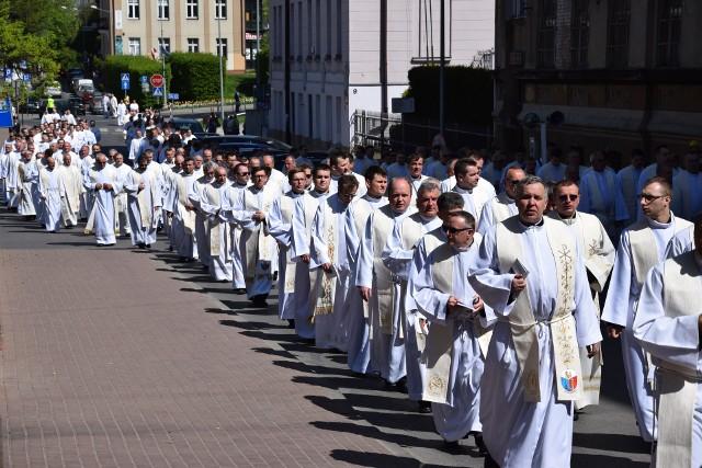 W tarnowskiej kurii tłumaczą, że księża sami wnioskowali o większą dyskrecję odnośnie przenosin