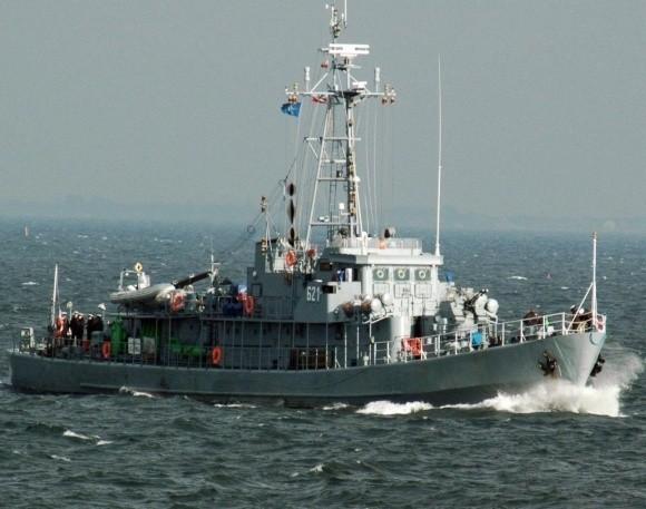 """Marynarze 8 FOW po raz kolejny ruszyli na wschód Bałtyku, aby """"wyjąć"""" z morza niebezpieczne dla żeglugi obiekty. Zdaniem oficerów dowództwa MW, ilość niewybuchów i niewypałów spoczywających na dnie jest trudna do oszacowania. Ich całkowite unicestwienie może trwać jeszcze wiele lat."""