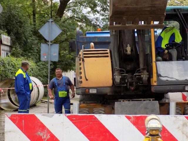 Trwają prace przy budowie kolektora przy ul. Pstrowskiego.