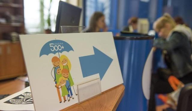 Zdecydowana większość rodziców w regionie złożyła wnioski w formie papierowej.